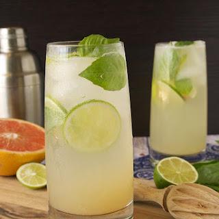 IXÁ organic tequila Paloma cocktail