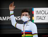 Filippo Ganna laat regenboogtrui blinken in openingstijdrit in de Giro