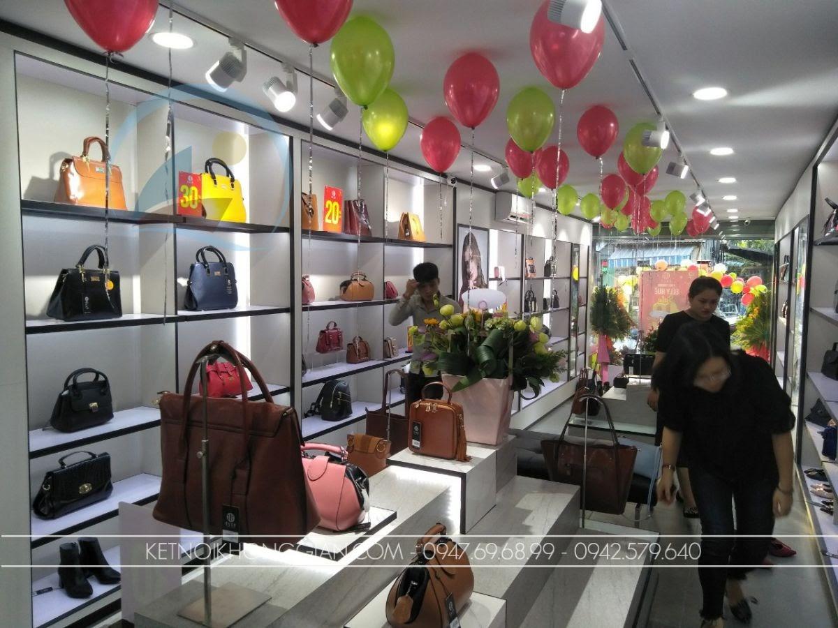 thiết kế shop túi xách Elly Huế 6