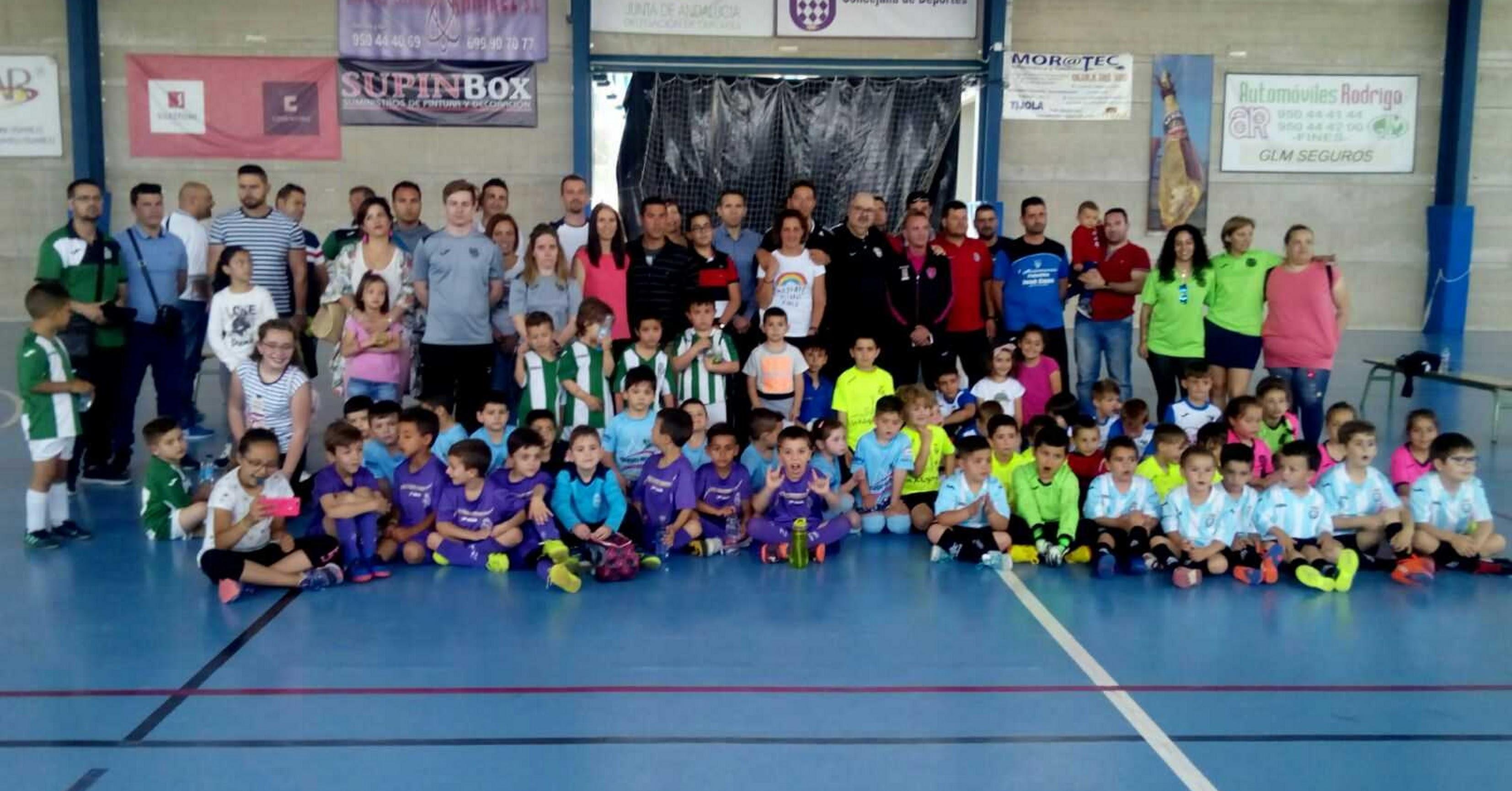 La gran familia del fútbol bebé.