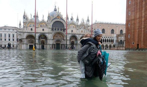 Venecia se sigue inundando ¿Los comerciantes huirán?