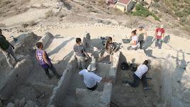 Restos arqueológicos de una de las construcciones halladas en la excavación de Mojácar la Vieja.