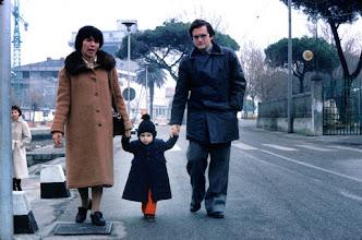Photo: Capodanno 1981 a Viareggio: a spasso lungo il canale Burlamacco con Michele