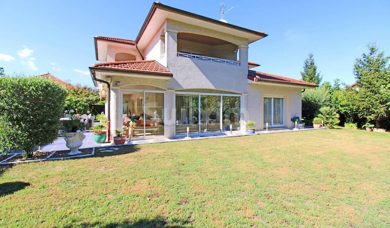 Maison avec jardin et terrasse Ferney-Voltaire