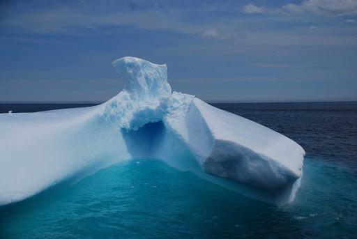 avalon-peninsula-newfoundland-iceberg.jpg - An iceberg off the coast of the Avalon Peninsula in Newfoundland.
