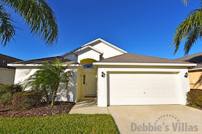 Orlando villa, close to Disney theme parks, west-facing private pool, games room, peaceful community