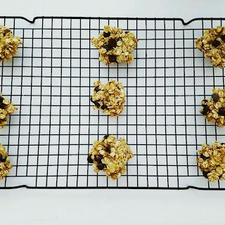 4-Ingredient Banana Oatmeal Cookie