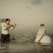 Wedding photographer Konstantin Leonov (LKphoto). Photo of 24.07.2013