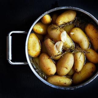 Boiled Potatoes With Garlic And Rosemary Recipes.