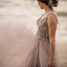 Wedding photographer Simona Toma (JurnalFotografic). Photo of 29.07.2019