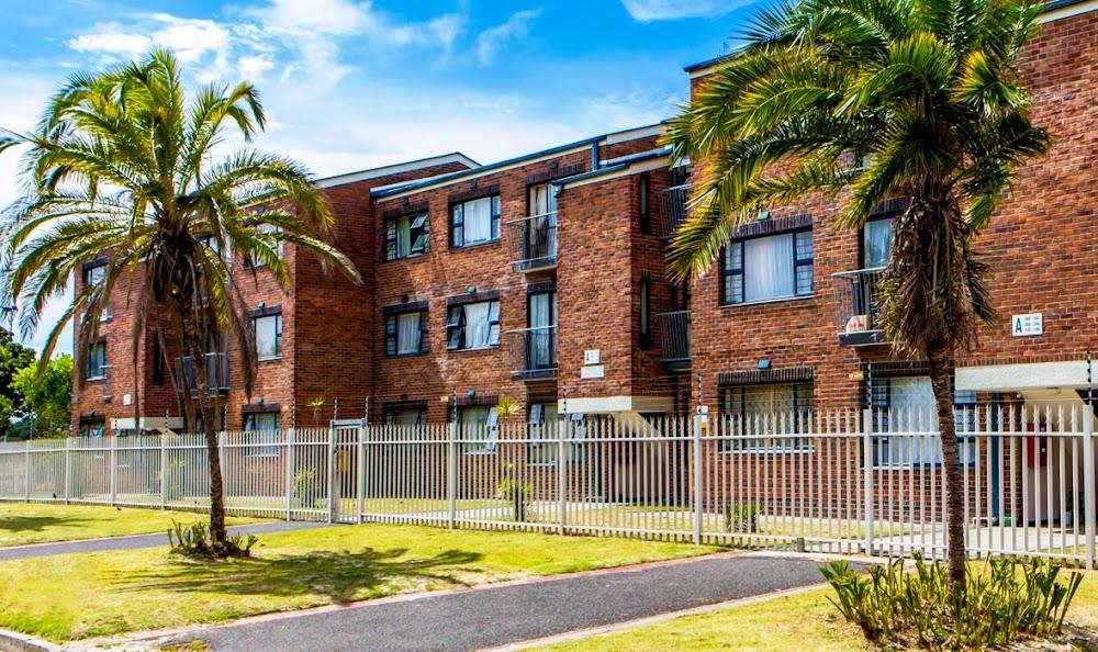Maatskaplike behuisingsmaatskappy in Kaapstad kla by die polisie oor 'kapers' - TimesLIVE