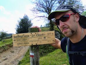 Photo: GR10: Col d'Ibardin, 317m, cartello bilingue, basco - francese