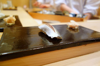 Photo: Kohada. The combination between the fish fattiness, its vinegared marinade and the rice acidity was absolutely stunning. Apparently Taichi uses red vinegar for his sushi, which I now realize might be what I prefer. His rice is well-vinegared, but not in an overpowering way, and not too salty. Also, it has a quite firm texture which I also enjoy a lot.