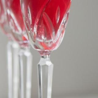 Buona Fortuna! Prosecco and Pomegranate Sparklers.