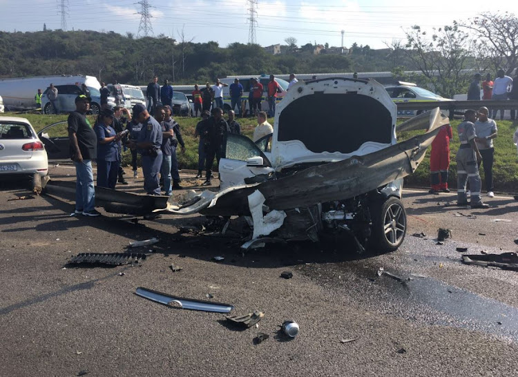 Mercedes Of Hunt Valley >> Police hunt for gunmen after shootout north of Durban