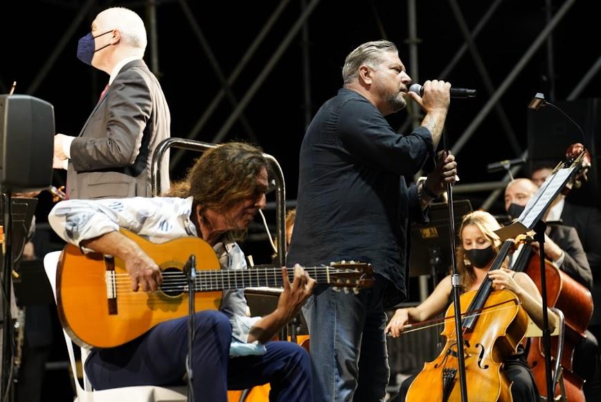 Diego Cruz interpretó el bolero Adoro junto a la guitarra de Tomatito.
