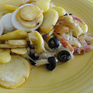 Codfish with Onions and Fried Potatoes Recipe