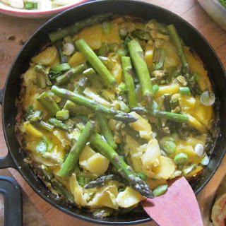 Green Asparagus On Tortilla Look-alike – A Quickie Recipe That Makes You Look Like A Pro Cooking Wise