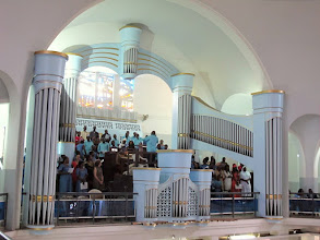 Photo: Sn2C0716-160207Dakar, cath. messe, tribune de la chorale, buffet d'orgues IMG_0897