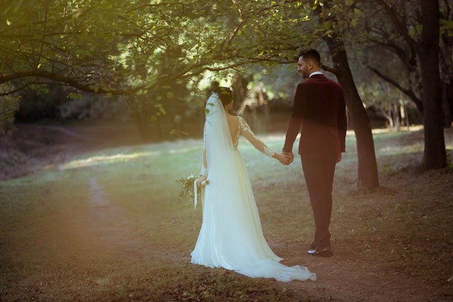Wedding photographer Alex Pascariu (alexpascariu). Photo of 12.02.2019