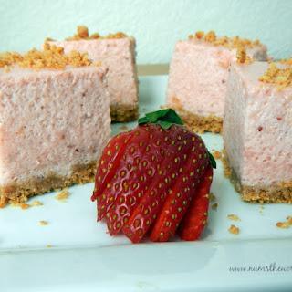 Strawberry Marshmallow Crumb Bars – Version 2