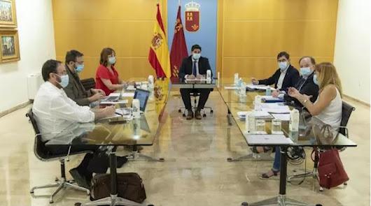 Murcia limita las reuniones a 15 personas y prohíbe el ocio en locales cerrados
