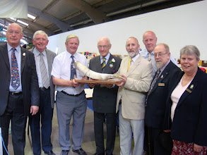 Photo: A Mead Horn was presented by Michael Young, Chairman of INIB , supported by his colleagues from Northern Ireland to the President of the Show - Michael Bannister.