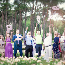 Wedding photographer Oksana Orlovskaya (oxana777m). Photo of 24.06.2014