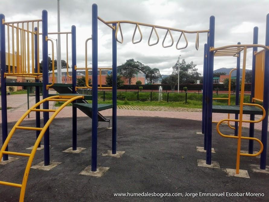 Parque con humedal Mora Verde