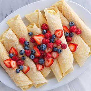 Fresh Berry Brunch Crêpes.