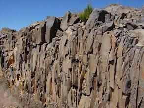Photo: Disyunción columnar en basaltos