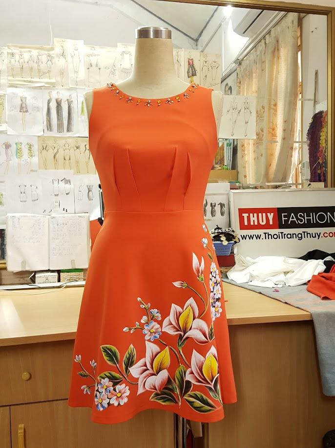 Váy vẽ tay thủ công họa tiết hoa màu acrylic không phai màu V471 Thời Trang Thủy