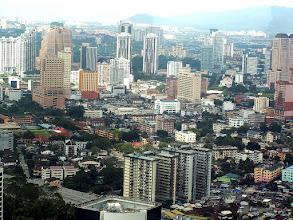 Photo: KL, Petronas Towers, widok ze Skybridge / View from the Skybridge
