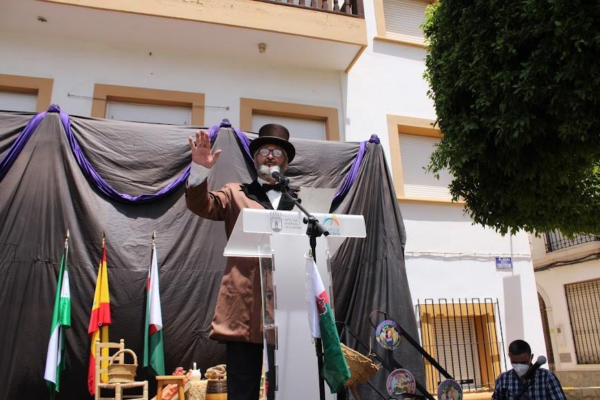 Representación del alcalde que declaró la independencia, José Miras.