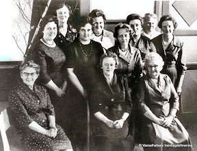 Photo: Bygdegården 1962 kvinnoklubben. Fr vänster Ester Engström, Margit Bohman, Olga Pettersson, Astrid Nilsson, Hjördis Karlsson, Anna-Lena Andersson, Barbro Larsson, Karn Larsson, Margit Hedberg, Ebba Andersson