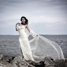 Wedding photographer Sergey Mikhaylov (borzilio). Photo of 16.03.2013