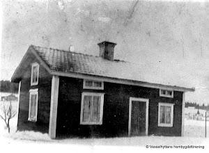 Photo: Mariedal 1920 gamla stugan, byggd omkring 1800, riven 1927