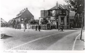 Photo: 1947 Hotel-Pension-Restaurant De Koepel van A.H. Severijnen-Klijsen aan de Haagweg.
