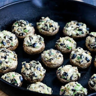 Stuffed Mushrooms Recipe with Feta Cheese and Kalamata Olives.