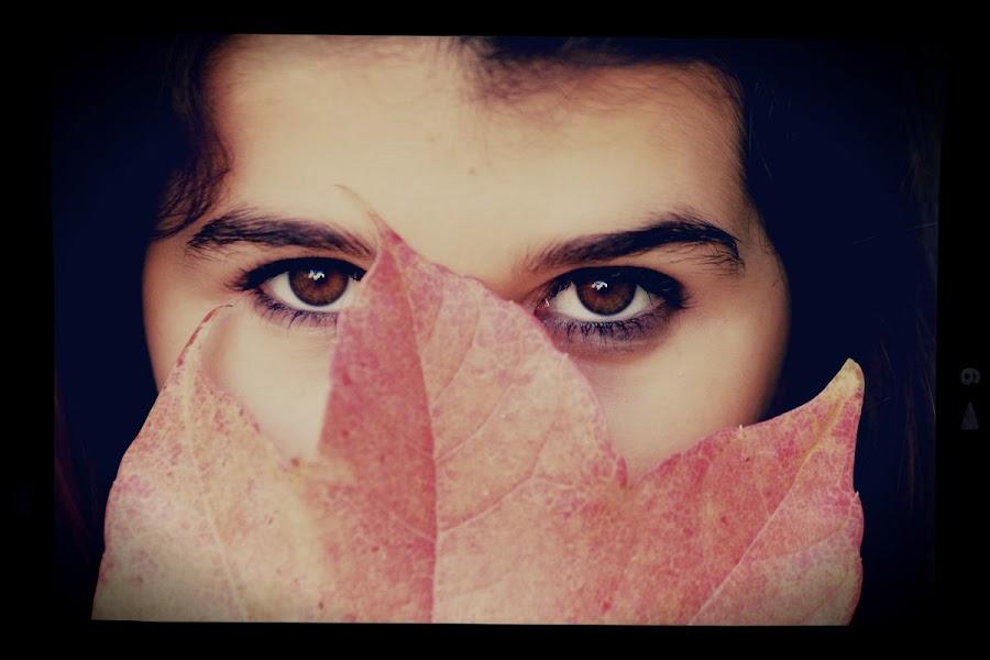 by Judith Navarro - Instagram & Mobile iPhone ( plant, leaves, eyes )