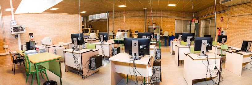 foto aula de CNC