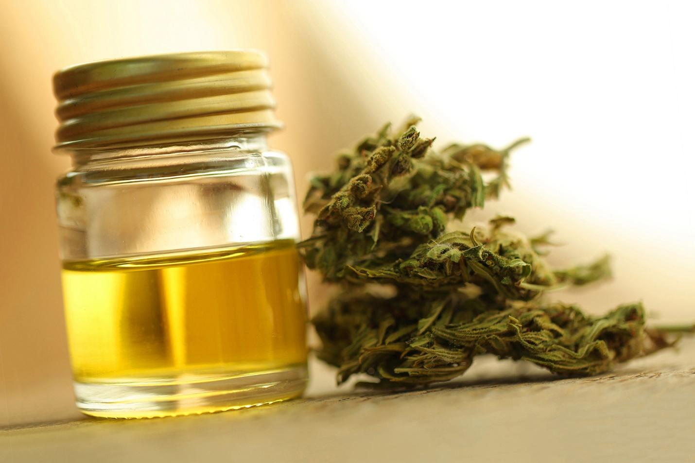 C:\Users\PC\Downloads\1800x1200_all_about_cbd_oil_slideshow.jpg