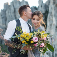 Wedding photographer Kristina Gluschenko (KristinaKort). Photo of 11.05.2018