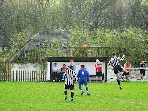 Photo: 03/04/10 v London Colney (South Midlands League Div1) 1-3 contributed by Leon Gladwell