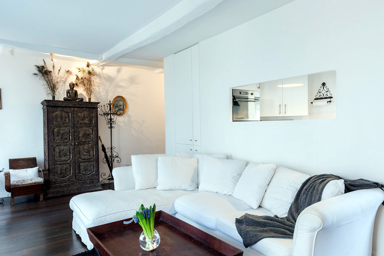 Stylish Marais near beautiful Square du Temple living room