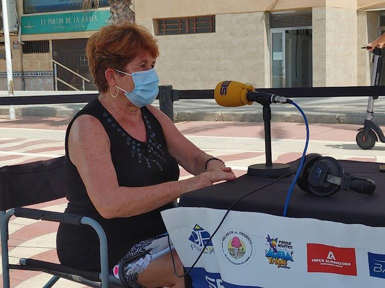 La responsable de la ONG 'Enfermeras para el mundo' en Almería, Ana Francisca Medina, en el set de La SER