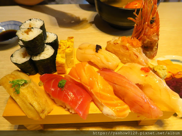 瞞著爹精誠丼飯日本料理~~餐點有質感,丼飯、握壽司套餐吃得有滿意,價格比旗艦店親民一點~~