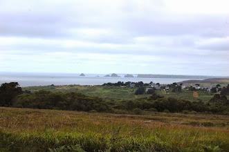 Photo: BRETANYA 2013. PRESQU'ÎLE DE CROZON ( Kraozon en bretó ). Vista a la Pointe de Pen-Hir, amb les roques anomenades Tas de Pois.