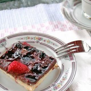 Chocolate-Strawberry Cookie Bars