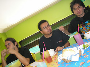 Photo: dia 3.10: no El Generalito, Ñañez da Venezuela, Abram de Oaxaca e Miguel do Mexico DF.